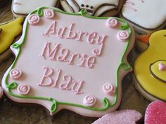 Isn't this cute? Baby announcement cookies!