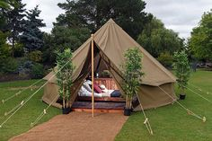 Glamping at Chessington World of Adventures Resort Camping has reinvented itself and is becoming more de. Bell Tent Camping, Camping Glamping, Camping Hacks, Outdoor Camping, Family Glamping, Rv Hacks, Camping Ideas, Glamping Holidays, Adventure Resort