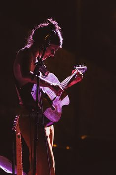 @maikamakovski en Almería conciertos @alamar foto: Javier Morcillo www.morx.net @albanbeach #maikamakovski #alamar #mondosonoro #bestmusicphoto #concertcollectors @concert_photographic