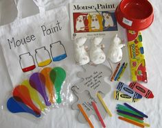 This teacher really has it together. Love the little white mice! Literacy Bags, Education And Literacy, Preschool Literacy, Early Literacy, Preschool Art, Classroom Activities, Book Activities, Mouse Paint Activities, Commission Scolaire