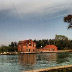 Mazzorbo. Immagini dalla gita a Burano, San Francesco del Deserto, e poi Ammiana e Costanziaca, le isole sommerse da cui ha avuto origine Venezia.