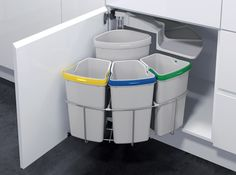 Lovin this Recycling Station. Vauth Sagel by Fulterer Eco Center Ultimate Recycling Station for-the-home Recycling Station, Recycling Bins, Recycling Center, Garbage Recycling, Kitchen Organization, Kitchen Storage, Storage Organization, Cabinet Space, Cuisines Design