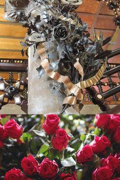 El bust d'Eusebi Güell i Bacigalupi trobem un ram de flors en què es poden distingir les roses. Christmas Wreaths, Halloween, Holiday Decor, Home Decor, Spring, Christmas Garlands, Homemade Home Decor, Holiday Burlap Wreath, Halloween Labels