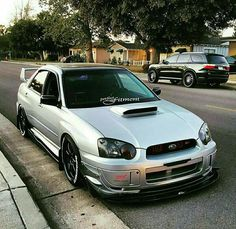 Subaru WRX Sti performing with sporty, so many consumers are approached because adrift in terms of body and elegant look. Subaru Impreza Sti, Slammed Cars, Jdm Cars, Japanese Domestic Market, Street Racing Cars, Car Goals, Modified Cars, Rally Car, Cars Motorcycles