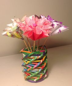 Florero, hecho con papel de revistas - Magazine paper crafts