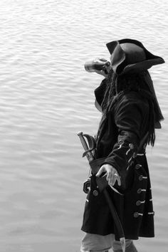 Yo ho a pirates life for me. Captain Jack Sparrow, Jack Sparrow Wallpaper, Jack Sparrow Quotes, Pirate Queen, Davy Jones, Pirate Life, Arte Disney, Film Serie, Pirates Of The Caribbean