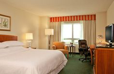 Sheraton Orlando Downtown Htl - You' ll find this downtown Sheraton Orlando Downtown Hotel is convenient to businesses and just footsteps from the area's premier shopping, entertainment, restaurants and nightlife.