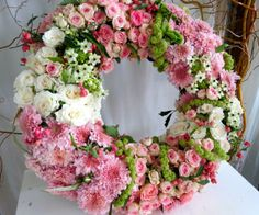 floral-wreath-in-pink-L-ZI4yeY.jpeg (610×508)