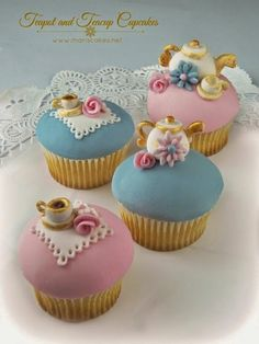 Mari's Cakes (English)