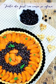 10 rețete cu caise care vor deveni preferatele tale | Bucate Aromate Pineapple, Deserts, Food, Vanilla, Pie, Dessert Ideas, Food Food, Pine Apple, Essen