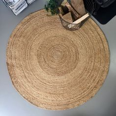 Round rugs are a must have: put a round rug in your living room. This round rug is a burlap rug. Therefore, shop a round burlap rug here! Burlap Rug, Burlap Cross, Burlap Curtains, Jute Rug, Burlap Backdrop, Burlap Background, Burlap Garland, Burlap Centerpieces, Burlap Door Hangers