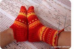 Susannan Työhuone - päiväkirja vanhalta rautatieasemalta: Suk suk sukkasillaan lapasillaan