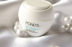 Pond's Silk Cream <3