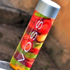 Fruit Infused Water, Fruit Water, Infused Waters, Detox Smoothie Recipes, Detox Drinks, Healthy Water, Healthy Drinks, Healthy Tips, Healthy Foods