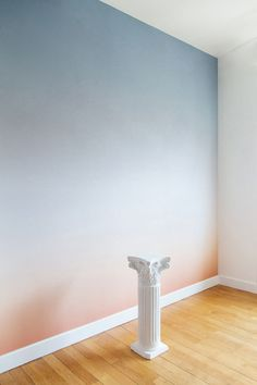 15 Best Fabulous Ombre Wall Paint Designs and Ideas Ombre Painted Walls, Ombre Walls, Wall Design, House Design, Design Design, Deco Rose, Boutique Interior, Design Your Home, Paint Designs