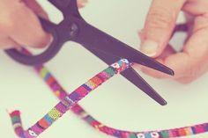 Tutorial cordón étnico para gafas Cortar Bohemian Bracelets, Eye Glasses, Chain, Personalized Items, Crochet, Jewelry, Necklaces, Outfit, Face