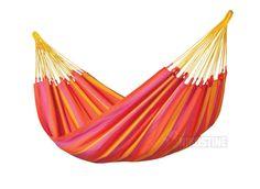 Helårs hængekøje - Orange - 350cm 160 kg. Mærke: La Siesta. Liggeflade: L: 230 x B:160 cm. Totallængde: 350 cm. Max. belastning: 160 kg. Hængeafstand mellem stolper: 310 cm. Materialebeskrivelse : 100% polypropylen (HamacTex®). Farve: orange / mandarin.
