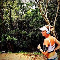 O corpo movimenta a vida!  Info.:Praticar atividade física ajuda a liberar o stress e tensão que acumulamos durante o dia já que estimula a produção de endorfina que alivia as tensões. Por isso é aconselhável a pratica de exercícios como um facilitador para acalmar a mente! #bemestar #dicasdesaude #fitness #fit  #fitnessaddict #fitspo #workout #bodybuilding #cardio #gym #train #training #photooftheday #health #healthy #instahealth #healthychoices  #strong #motivation #instagood…