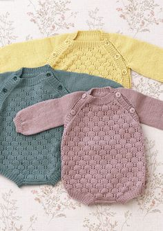 Multiflora baby set pattern by Anne B Hanssen Knitting For Kids, Baby Knitting Patterns, Baby Patterns, Stitch Patterns, Baby Outfits, Kids Outfits, Rompers For Teens, Baby Overall, Easy Baby Blanket