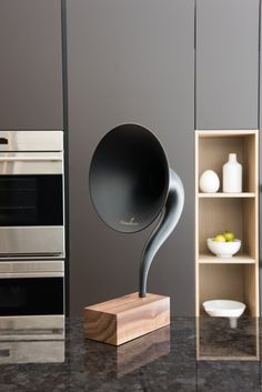 A new gramophone-style speaker that works with your iphone or other bluetooth-enabled device. http://designythings.com/2014/09/22/gramovox-bluetooth-gramophone/
