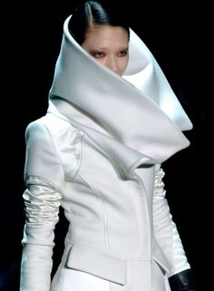 Futuristic Style, Ai Tominaga, Gucci, Tom Ford, Future Fashion, girl in white, white clothing, futuristic clothing, futuristic fashion by FuturisticNews.com