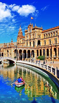 Amazing View of Plaza de Espana, Sevilla, Spain. | TOP 10 Romantic places to spend your Valentine's Day