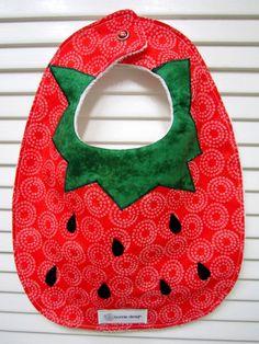 Strawberry Shortbabe : Plastic Lined Bib.