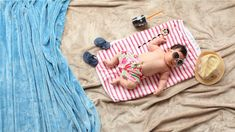 Here are some golden top tips when it come to travelling with your baby. Mom And Baby, Baby Love, Teething Gel, How To Pop Ears, Fun Outdoor Activities, Baby Bjorn, Baby Images, Baby Eating, Go Outdoors