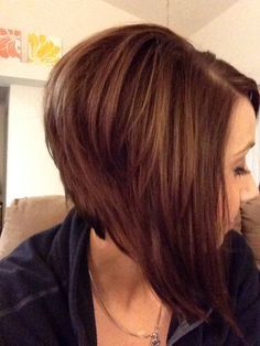 Love the long layers in the front of this graduated bob