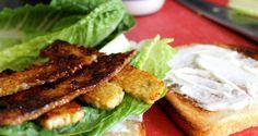 Vegetarische tempeh sandwich