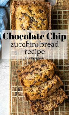 Easy Zucchini Bread, Chocolate Chip Zucchini Bread, Zucchini Bread Recipes, Chocolate Chip Recipes, Breaded Zucchini, Zuchinni Bread, Zucchini Cake, Bon Dessert, Cookies