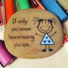 Discover thousands of images about Endelig i gang igen ❤️kindness rocks sayingsU are amazing 😉 u are priceless u are worth it. I really needed to see this pin makes me feel kinda happy to know that we are loved and amazingNo photo description avail Pebble Painting, Pebble Art, Stone Painting, Stone Crafts, Rock Crafts, Arts And Crafts, Rock Painting Ideas Easy, Rock Painting Designs, Rock Design