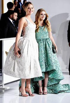"El tema del momento es el reciente estreno de la primera parte del filme ""Sinsajo"", descubre los looks que lució Jennifer Lawrence para su desfile sobre las red carpets.  http://www.linio.com.mx/moda/?utm_source=pinterest&utm_medium=socialmedia&utm_campaign=MEX_pinterest___blog-fas_lawrence_20141119_13&wt_sm=mx.socialmedia.pinterest.MEX_timeline_____blog-fas_20141119lawrence13.-.blog-fas"