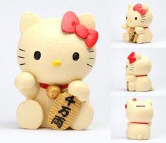 Sanrio Hello Kitty Japanese Coin Bank Lucky Cat, Maneki Neko