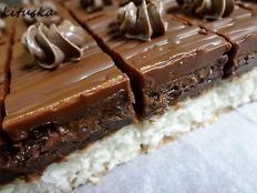 Extra čokoládová torta bez múky, cukru a pečenia - Recept Baking Recipes, Cake Recipes, Dessert Recipes, Yummy Treats, Yummy Food, Czech Recipes, Baking With Kids, Pastry Cake, Sweet Cakes