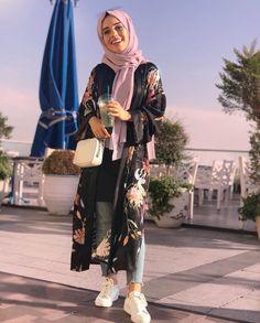 Fashion Summer Casual Cardigans New Ideas Hijab Fashion Summer, Modest Fashion Hijab, Casual Hijab Outfit, Muslim Fashion, Videos Instagram, Modele Hijab, Hijab Fashionista, Hijab Fashion Inspiration, Fashion Ideas