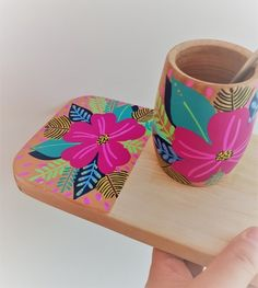 Flower Pot Art, Flower Pot Design, Painted Plant Pots, Painted Flower Pots, Pottery Painting Designs, Pottery Art, Diy Home Crafts, Diy Arts And Crafts, Posca