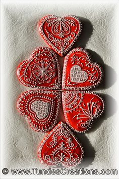 red gingerbread hearts