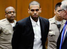 ¡Arrestan a Chris Brown por atacar a un hombre!
