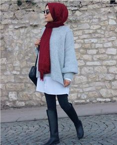 styles of Hijab Chic for a winter 2019 in style - Hijab Fashion and Chic Style Unique Fashion, Modern Hijab Fashion, Hijab Fashion Inspiration, Islamic Fashion, Muslim Fashion, Mode Inspiration, Look Fashion, Latest Fashion, Fashion Trends