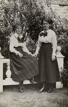 Young Edwardian ladies in walking skirts, blouses and boots. #edwardian