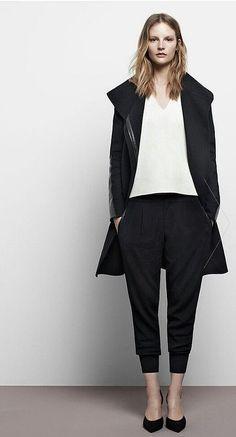 Cool 40+ Pictures of Modern Minimalist Women's Style Trends Check more at http://lucky-bella.com/40-pictures-of-modern-minimalist-womens-style-trends/