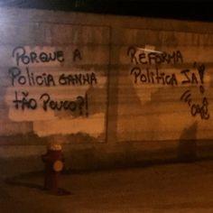 Em março eu tirei uma foto desse mesmo muro na Est. Do Pau Ferro parece que a mensagem mudou mas as reivindicações são as mesmas. Bem-vindo ao Rio de Janeiro. Cidade Olímpica. #Rio2016 #RJ #Errejota