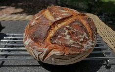 Najlepszy, prosty chleb na zakwasie! | Michał Górecki Blog My Favorite Food, Favorite Recipes, Bread Baking, Blog, Youtube, Queen, Recipes, Baking, Blogging