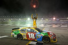 Kyle Busch wins at Atlanta and clinches the Chase