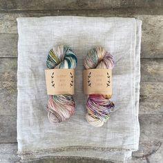 Knitting Needles, Knitting Yarn, Weaving Yarn, How To Dye Fabric, Hand Dyed Yarn, Yarns, Knit Crochet, Fiber, Spinning