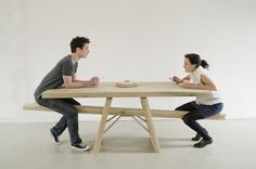 Tafelwip   table with playful seating