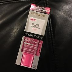 Loreal pore vanisher youth code Brand new Loreal Makeup Face Primer
