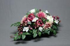 Dekoracja nagrobna Floral Wreath, Wreaths, Flowers, Decor, Decorating, Flower Crowns, Door Wreaths, Floral, Deco Mesh Wreaths