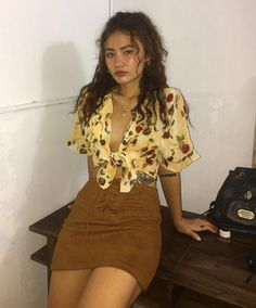 99 Elegant Fall Outfits Ideas For Holiday In 2019 Outfits 2019 Outfits casual Outfits for moms Outfits for school Outfits women Trend Fashion, Look Fashion, 90s Fashion, Fashion Outfits, Womens Fashion, Fall Fashion, 70s Inspired Fashion, Fashion Stores, China Fashion